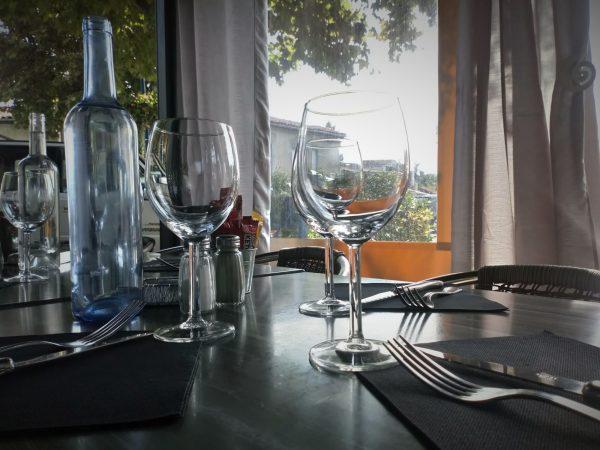 Table en terrasse du Restaurant Le Saint Michel